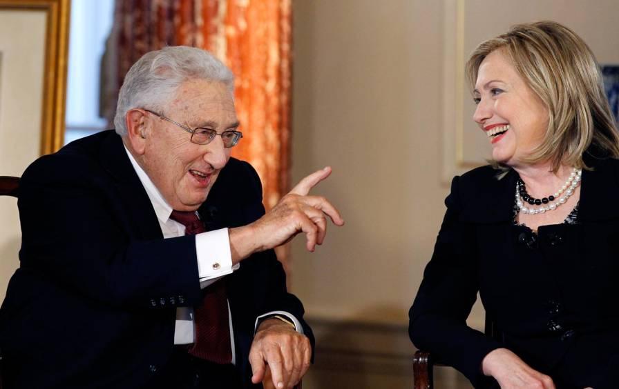 Hillary_Kissinger_AP_img.jpg